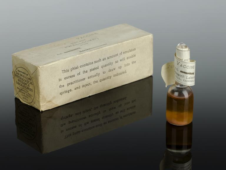 From the left, A600203, Leprosy vaccine by Burroughs Wellcome, English. A600194, Leprosy vaccine, made by Wellcome