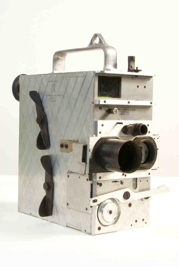 Newman & Sinclair Autokine Model E 35mm cine camera, 1946
