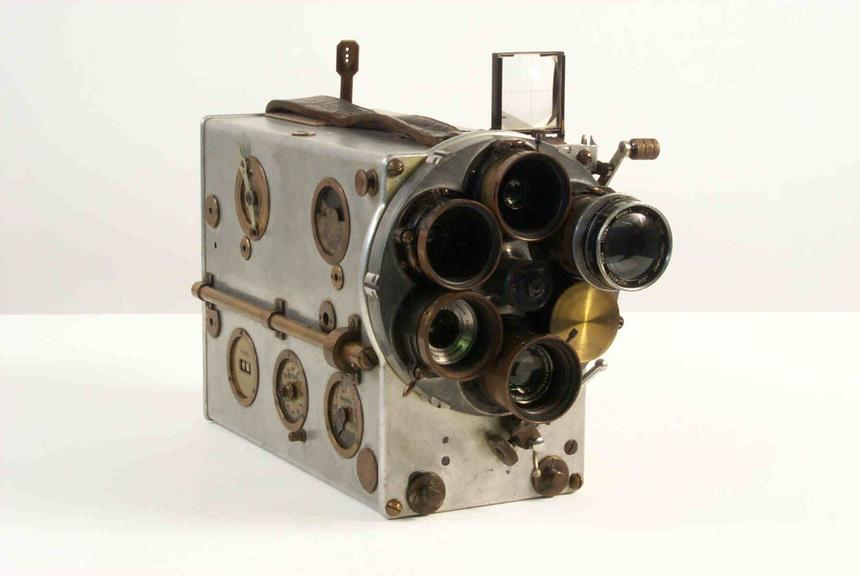 Le Camereclair 35mm cine camera, 1928
