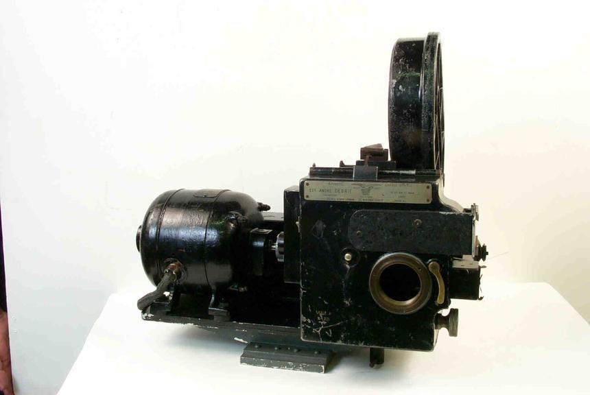 Debrie H 35mm high speed cine camera, 1950s