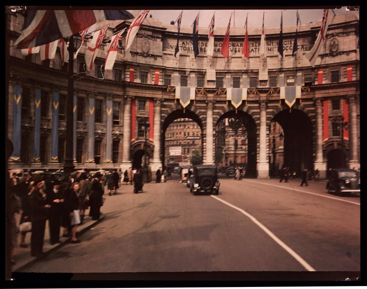 Admiralty Arch       A Dufaycolor colour transparency of Admiralty Arch in London, taken by an unknown photographer in 1945