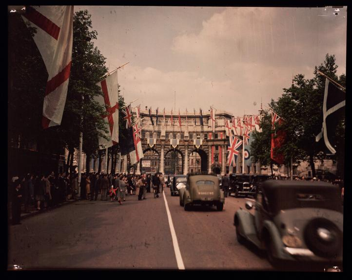 Admiralty Arch       A Dufaycolor colour transparency of Admiralty Arch, London, taken by an unknown photographer in 1945