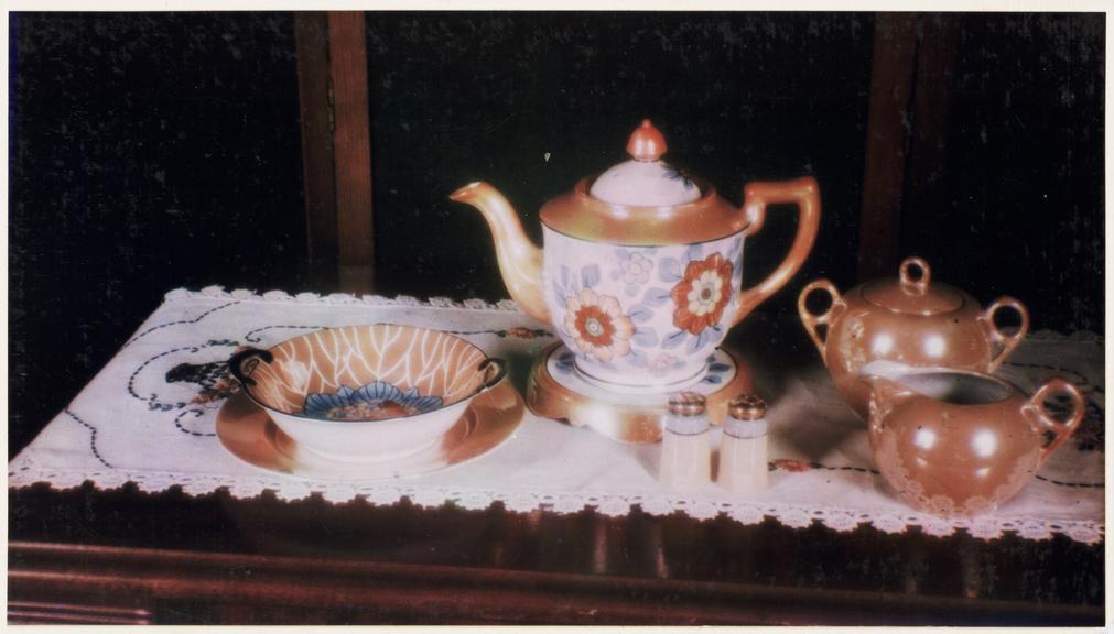Tea service       A colour photograph of a tea service