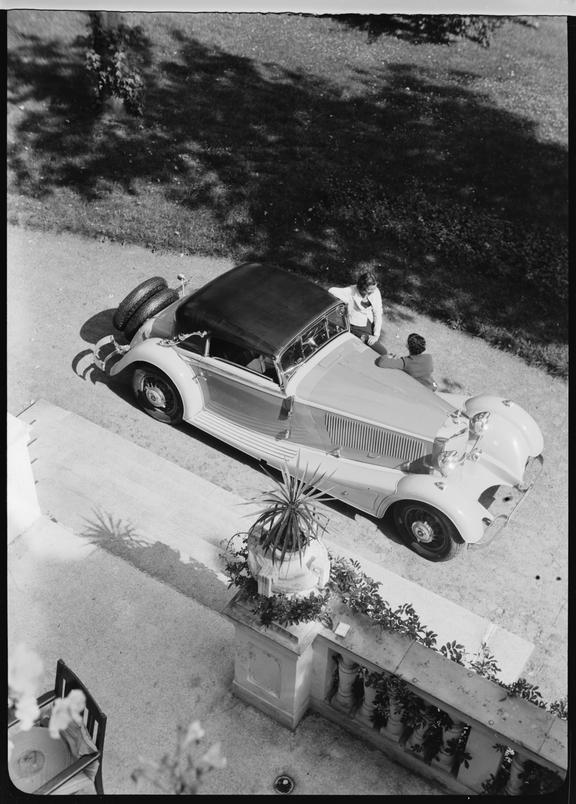 Two women and a Mercedes-Benz 500K convertible car, Germany