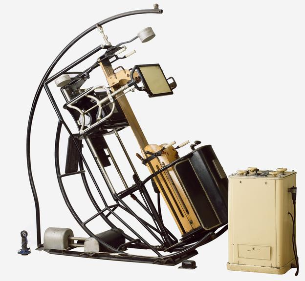 Pohl Omniskop X-ray apparatus, c.1925-1935, used by Dr. Rachwalsky until 1962, German. White background