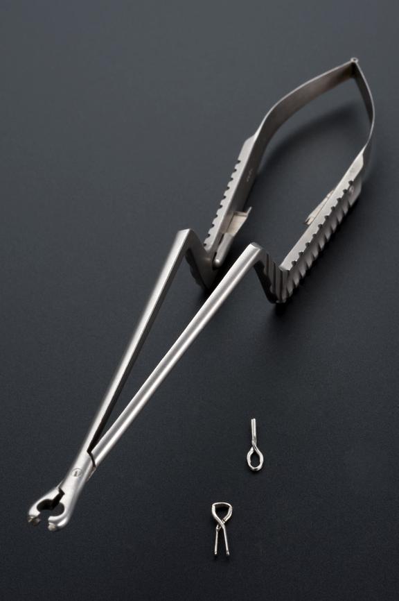 A616252 Compression forceps, for Yasargil clips, metal, by Jetter and Scheerer of Tuttlingen, German, 1930-1970.
