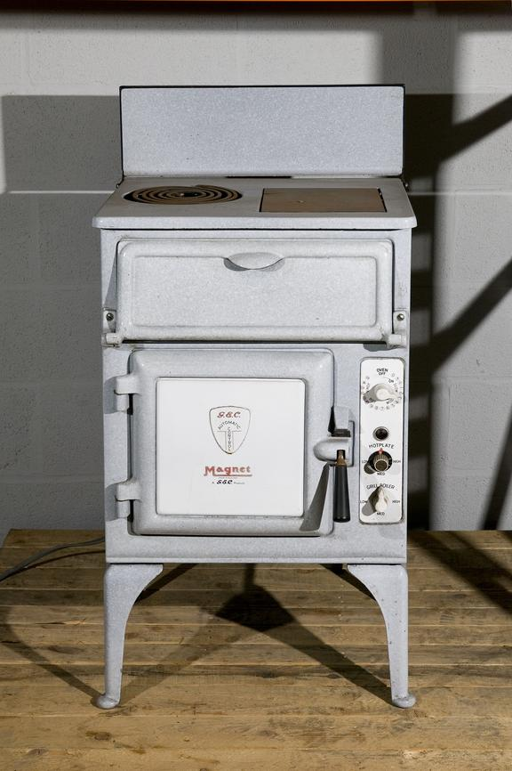 'Magnet' electric cooker made by the General Electric Co. Ltd, c.1935Photographed in Collections Store 3.