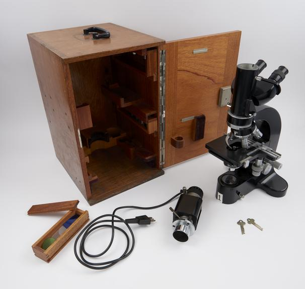 Dialux' research microscope, with quadruple nosepiece, mechanical stage and lamp attachment, by Leitz, German,