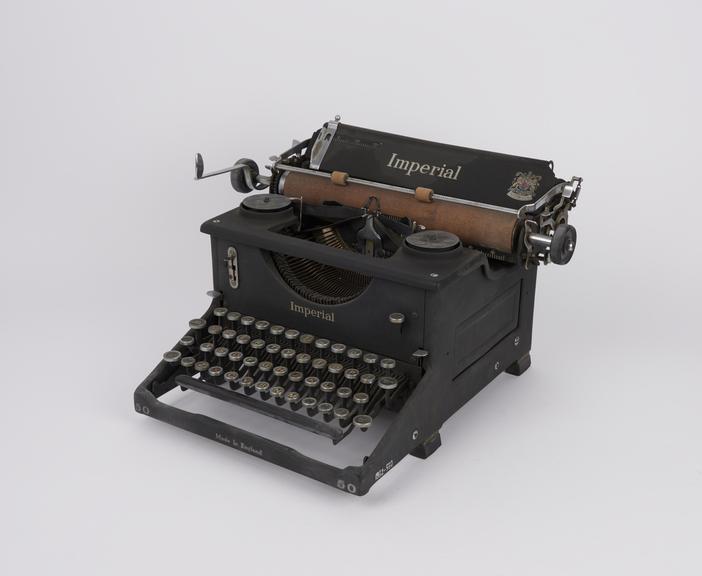 Imperial standard manual no. 50 typewriter, c. 1946 (serial no. Z164476)