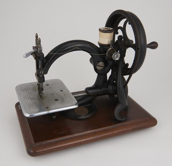 Machines wilcox and gibbs sewing Willcox and