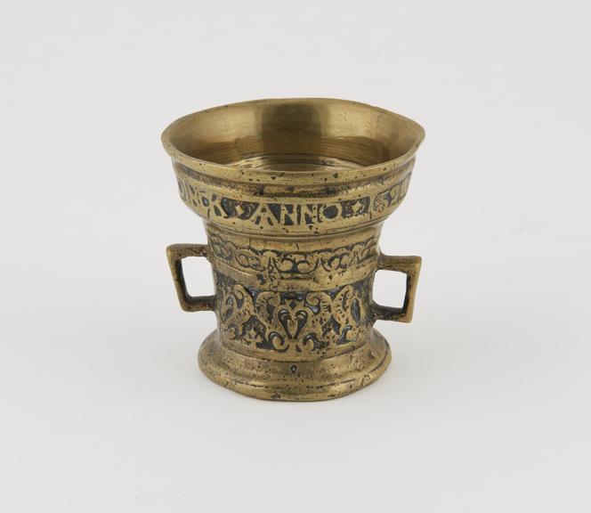 Brass mortar inscribed ..LETTE VERWINT AL..DINCK ANNO 1536''