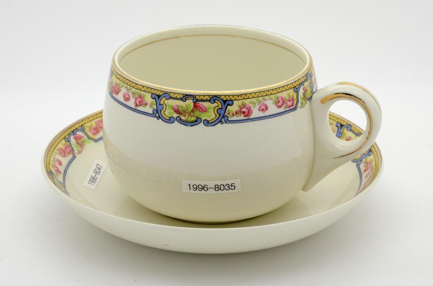 Ceramic cup, London & North Eastern Railway and Saucer, ceramic, by Alfred Meakin, London & North Eastern Railway