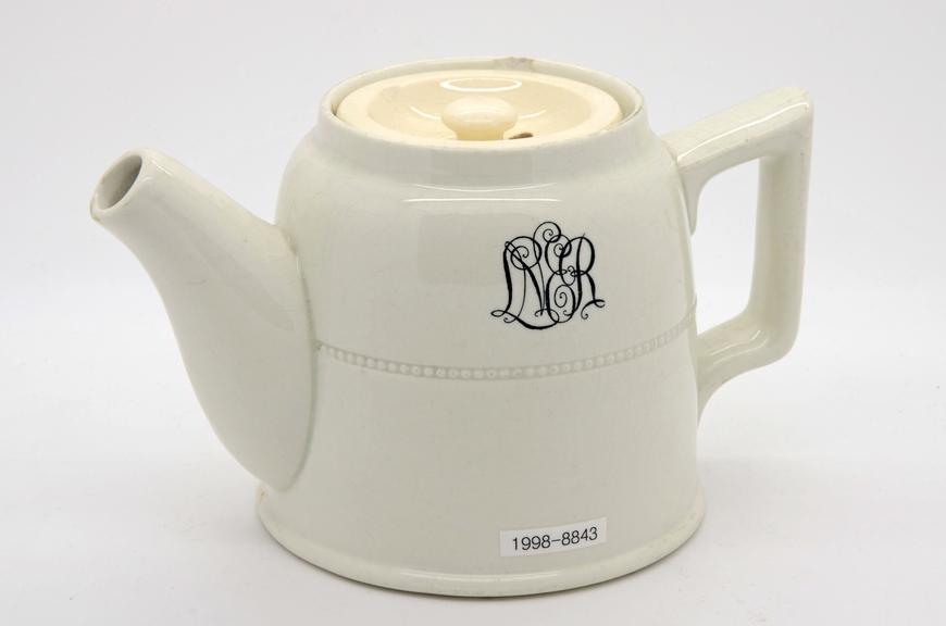 China teapot, London & North Eastern Railway