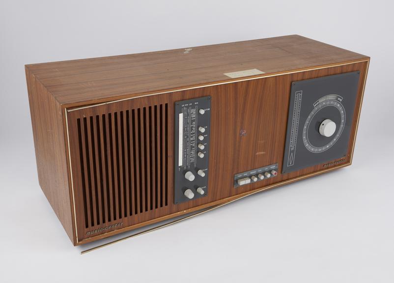 Schaub-Lorenz Music Center 5001' (LW/MW/SW/VHF radio with 126-track tape recorder), 1965;  poorer specimen than