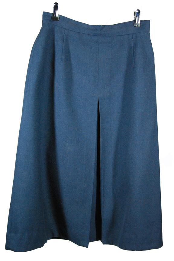 Skirt, British Railways, Assistant Station Manager