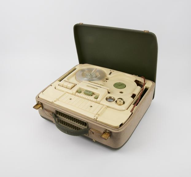 Tape recorder, reel to reel, Telefunken Magnetophon model KL65, twin operating speeds, 1960s