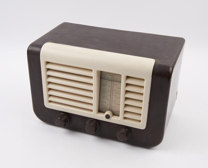 Ekco AC/DC broadcast receiver, type U29, c. 1950
