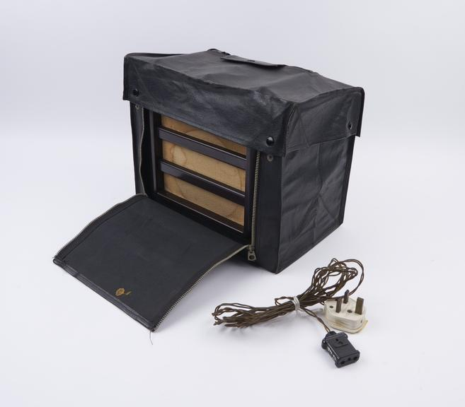 Ekco AC/DC Mains portable receiver model PU148, 1938, in leathercloth carrying case