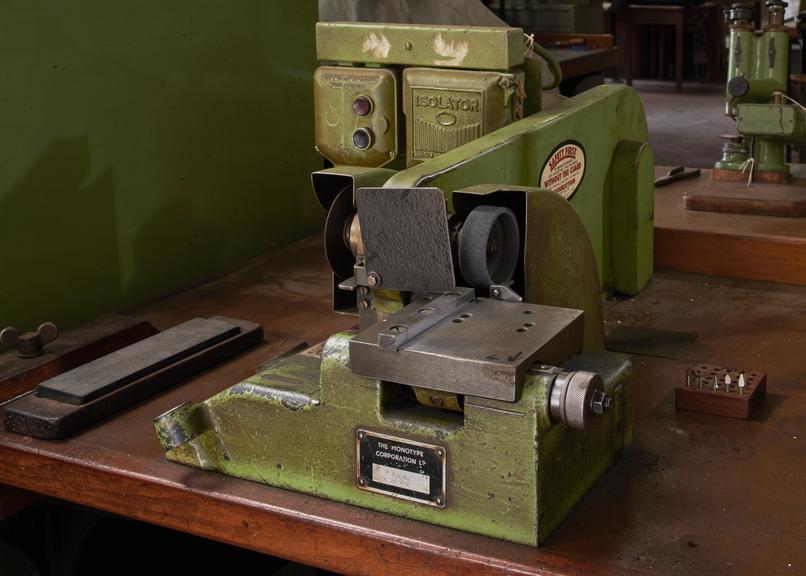 Cutter Grinder Machine