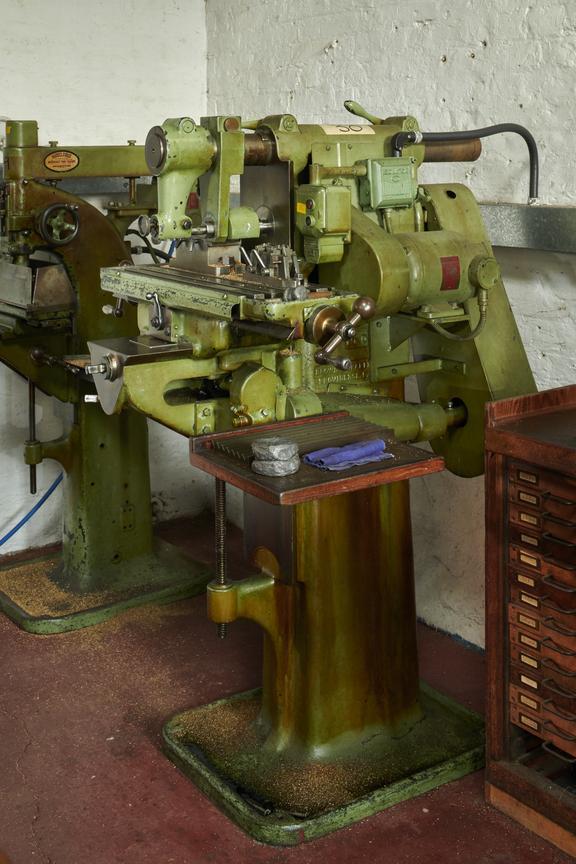 BS No. 0 Plain Milling Machine