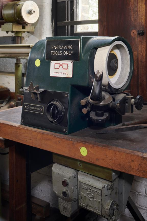 Engraving tool grinder