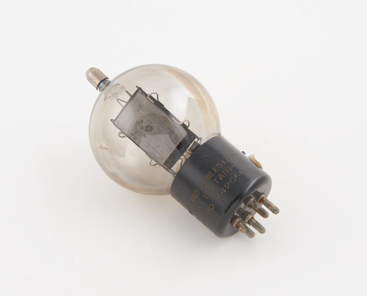 Standard triode valve