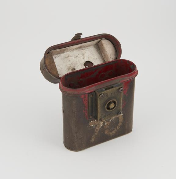 Detonator pouch