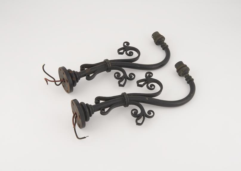 A pair of decorative light fitting