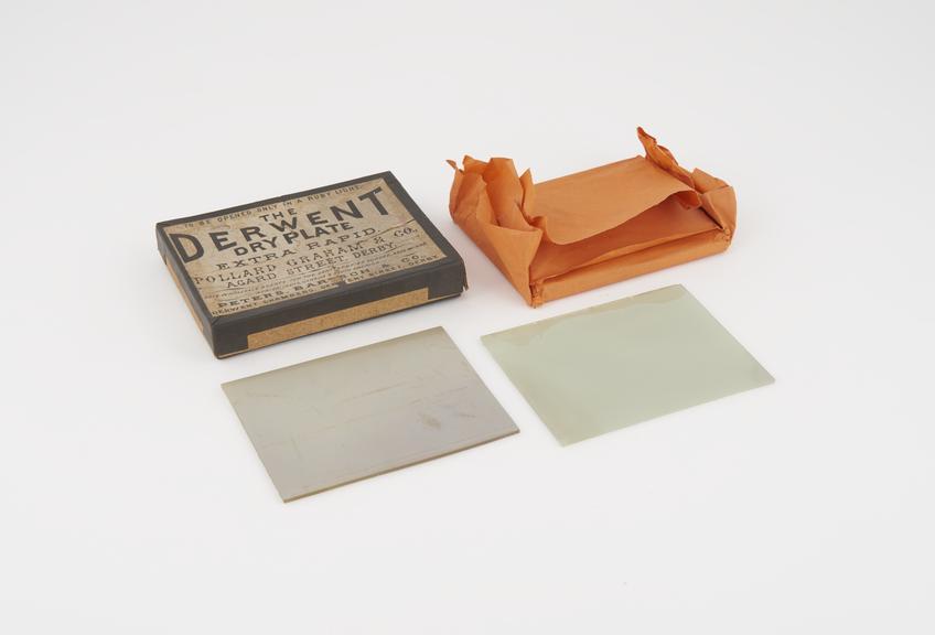 """""""Derwent"""" Dry Glass Plates"""