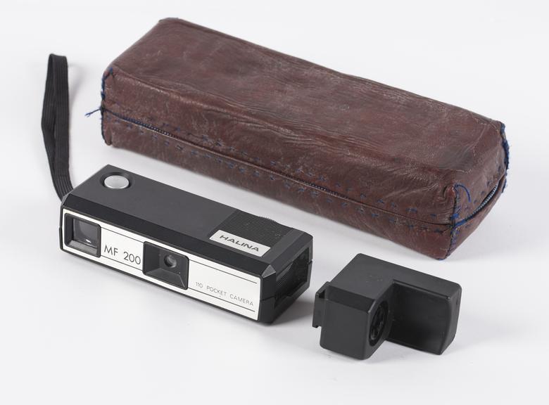 MF 200 Pocket Camera
