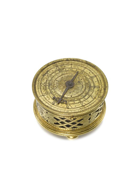 Drum shaped clock in a gilt-metal case, signed R.S. c.1600