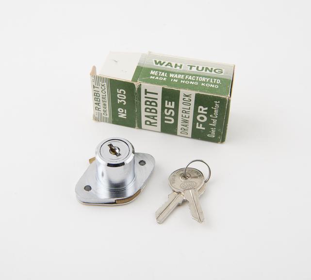Rabbit' drawer lock c.1975 by the Wah Tung Metalware Factory Ltd., Hong Kong: complete with 2 keys and original box.