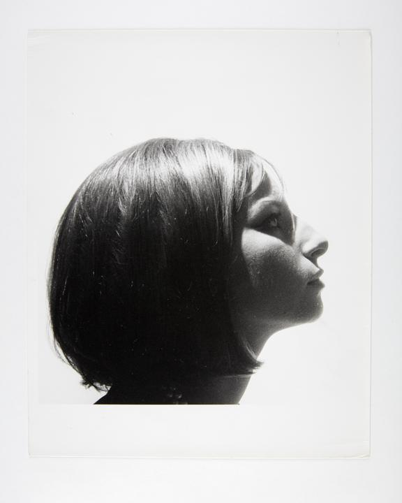 Andor Kraszna Krausz Collection. Silver gelatin copy print made ca.1970s. Photograph by Sir Cecil Beaton of American