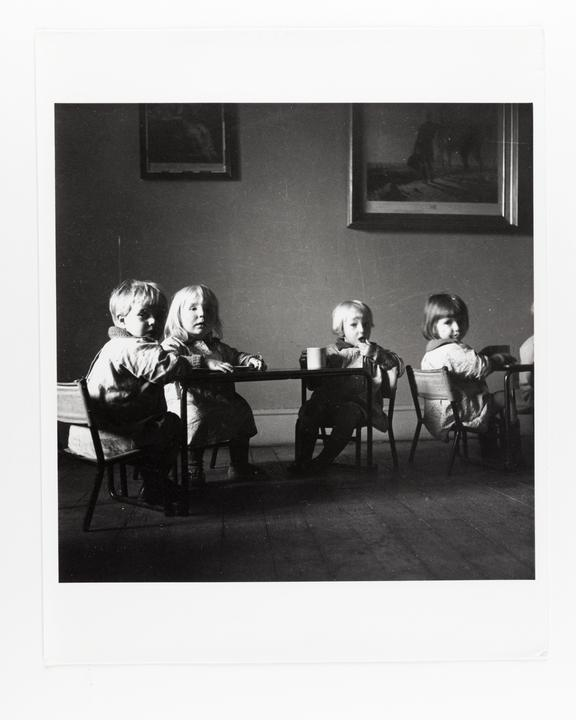 Andor Kraszna Krausz Collection. Silver gelatin copy print made ca.1970s. Sir Cecil Beaton photograph of children