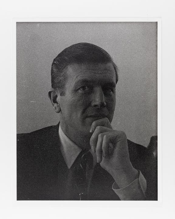 Andor Kraszna Krausz Collection. Silver gelatin copy print made ca.1970s. Photograph by Sir Cecil Beaton of John