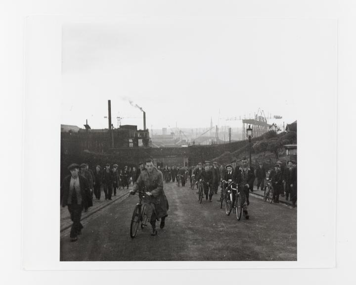 Andor Kraszna Krausz Collection. Silver gelatin copy print made ca.1970s. Workers leaving the Tyneside shipyards,