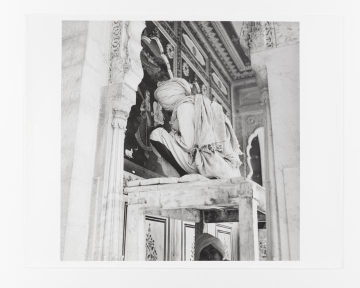 Andor Kraszna Krausz Collection. Silver gelatin copy print made ca.1970s. Photograph by Sir Cecil Beaton of a man