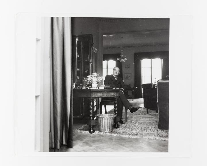 Andor Kraszna Krausz Collection. Silver gelatin copy print made ca.1970s. Photograph by Sir Cecil Beaton of author HG