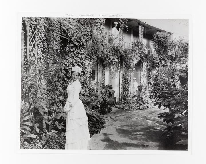 Andor Kraszna Krausz Collection. Silver gelatin copy print made ca.1970s. Photograph by Sir Cecil Beaton of actress
