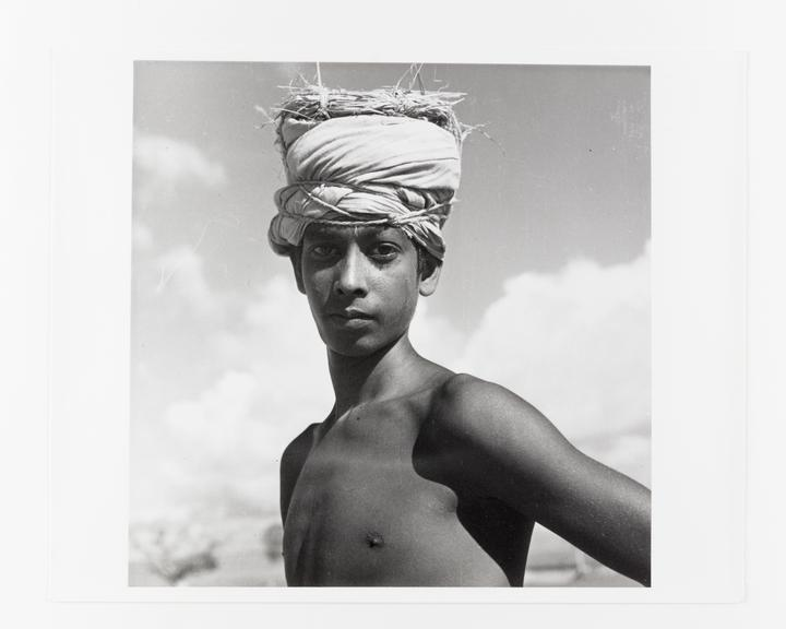 Andor Kraszna Krausz Collection. Silver gelatin copy print made ca.1970s. Photograph by Sir Cecil Beaton of a coolie