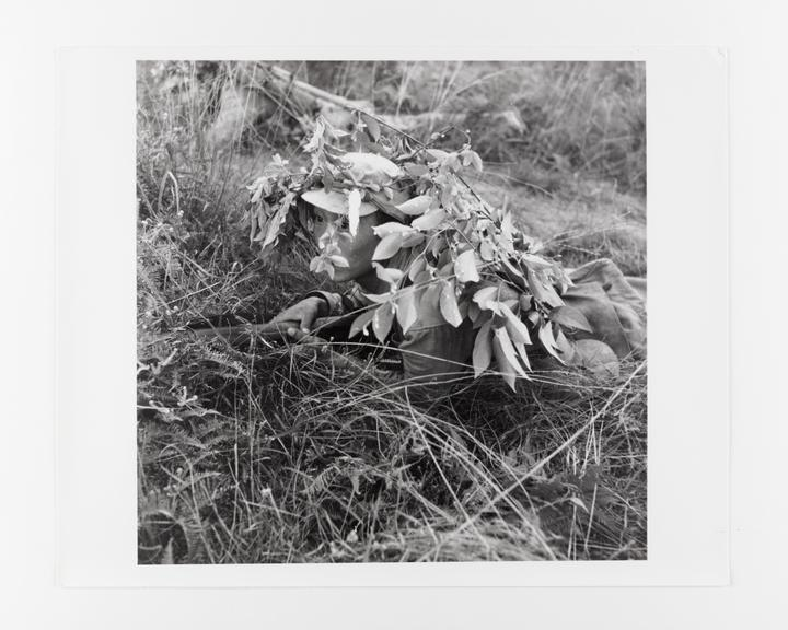 Andor Kraszna Krausz Collection. Silver gelatin copy print made ca.1970s. Photograph by Sir Cecil Beaton of a