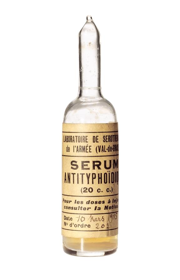 Ampoules, of typhoid serum, by Laboratoire de Serotherapie de l'Armee, French, 1915