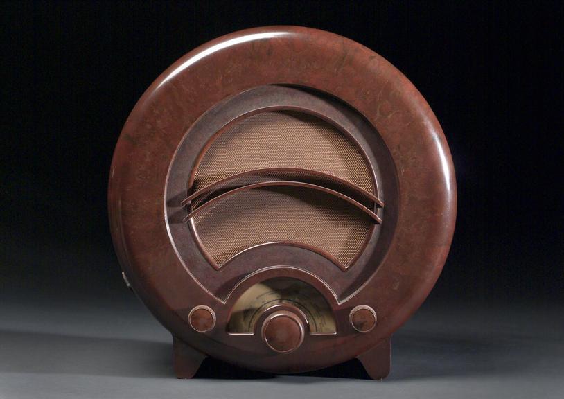Model  AD36 Ekco radio receiver, 4-valve TRF domestic receiver in circular Bakelite phelonic plastic case, by E K Cole