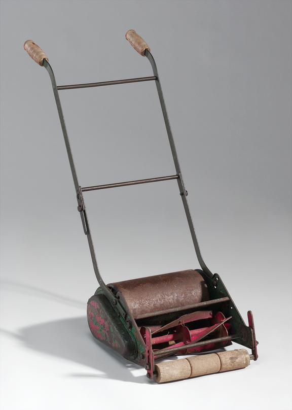 Child's copy of Webb lawnmower, 1960s.              This is a small-size version of a Webb manual lawnmower of the 1960s,