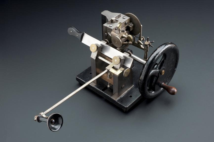 Minot-Zimmermann-type microtome, Leipzig, Germany, 1908-1918. Microtome by Minot, with accessory apparatus. The