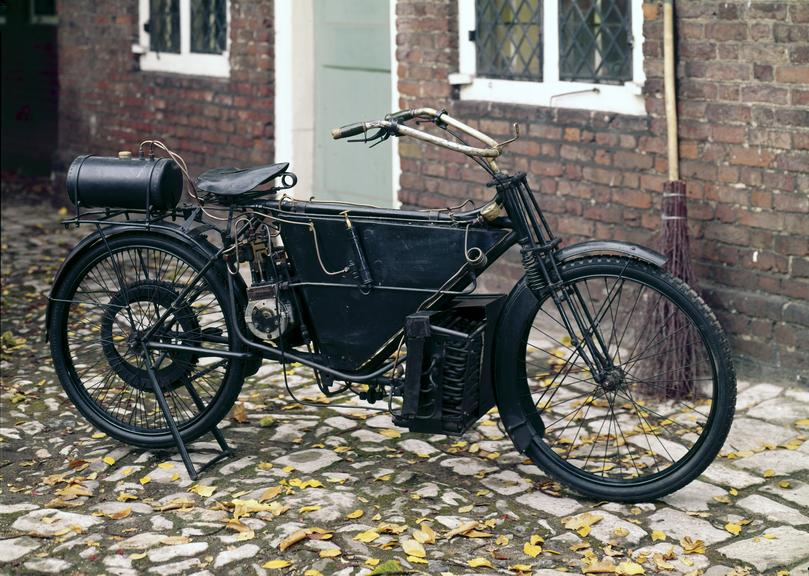 Pearson and Cox 3 hp steam bicycle, 1912. A number of these machines were made and sold by the firm of Pearson-Cox Ltd,