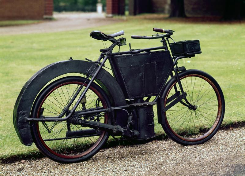 Hildebrand 1.5 hp steam motorcycle, 1889. This prototype motor biycle fitted with a small steam engine In 1889, was