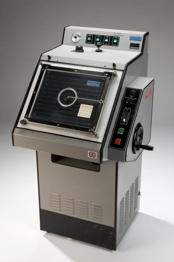 Cryostat by Bright Installation Company, 1960-1975 used at the Department of Molecular Endocrinology, University